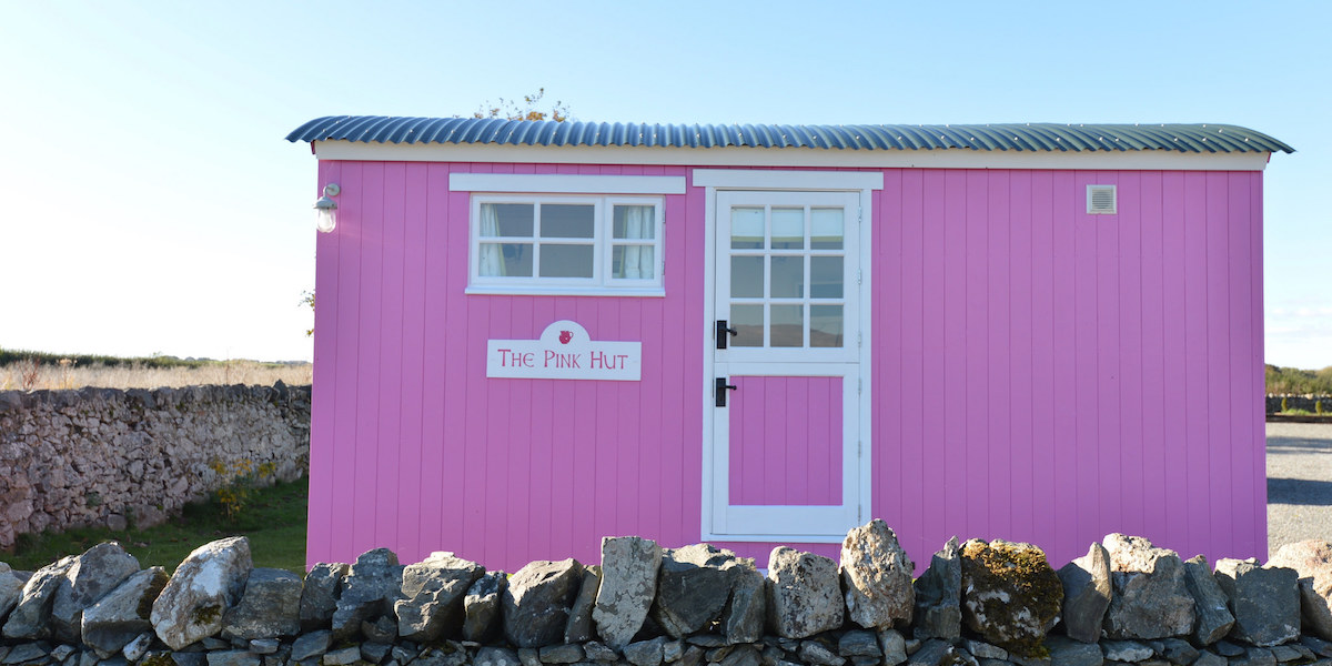the pink hut