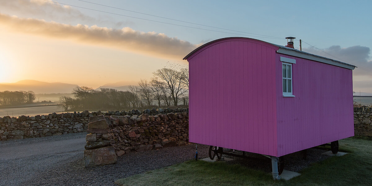 the pink hut outside view